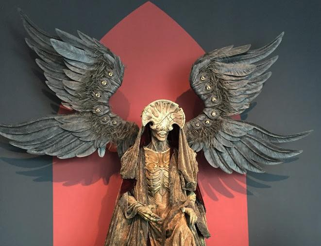 Statue+of+The+Angel+of+Death+from+Del+Toro.%27s+film+Hellboy+2.