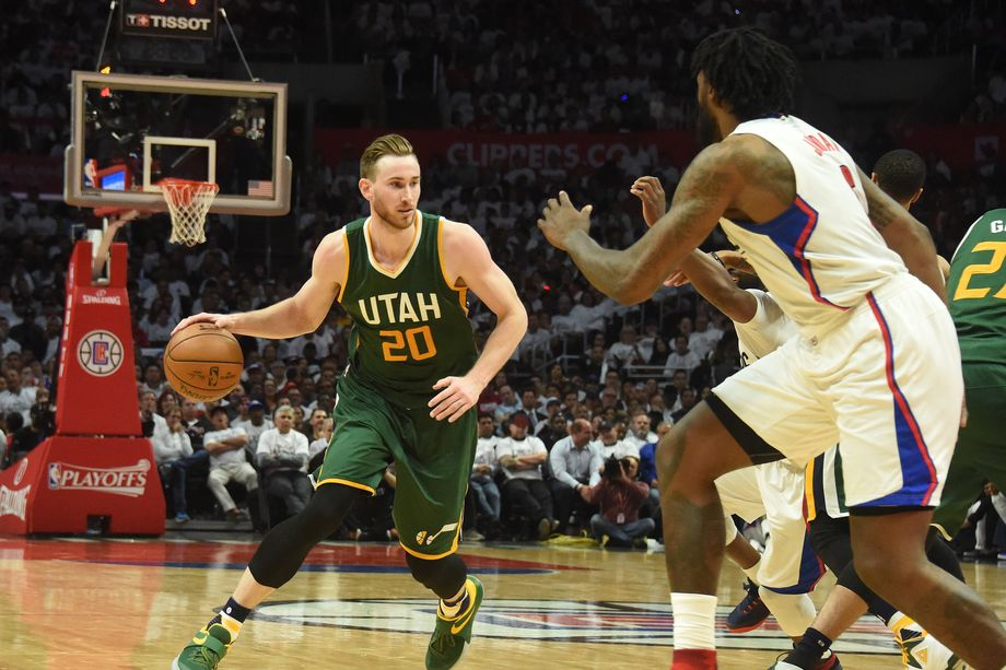 Gordon Hayward (#20) led the Jazz with 27 points in their win on Monday.