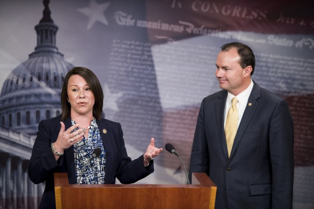 Rep.+Martha+Roby%2C+R-Ala.%2C+and+Sen.+Mike+Lee%2C+R-Utah%2C+hold+a+news+conference+in+the+Capitol+to+announce+the+introduction+of+the+%22Working+Families+Flexibility+Act%2C%22+on+Wednesday%2C+Jan.+21%2C+2015.