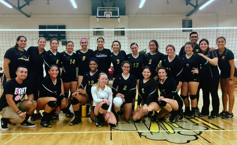 RHC Lady Roadrunners Take First Home Volleyball Game in Straight Sets