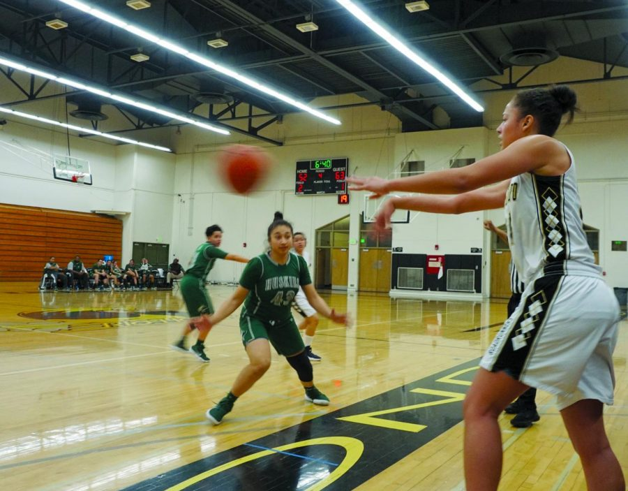 The Lady Roadrunners found it difficult to inbound the ball against ELAC. The Huskies' green jerseys seemed to be everywhere, disrupting the Rio offense the entire game.