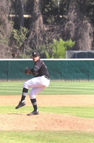 Baseball: Rio Falls to Long Beach City College