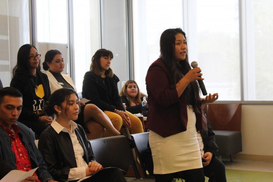 The+Associated+Students+of+Rio+Hondo+College+Candidate+Forum+took+place+Monday+in+the+Student+Union.+Student+Trustee+candidate%2C+Diana+Laureano%2C+shares+her+campaign+pledge+with+the+room.+Her+fellow+candidates+listen+intently+behind+her.+