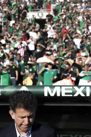Juan Carlos Osorio seemed confused as he sent out another variation of his unusual formations just weeks away from Russia 2018, in the game agaisnt Wales at the Pasadena Rose Bowl on May 28.
