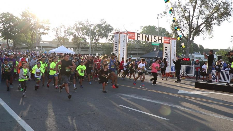Wide shot of the Spooktacular 5k in Whittier California, October 29.