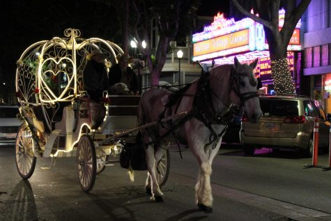 The Holiday Season Kicks Off In Uptown Whittier