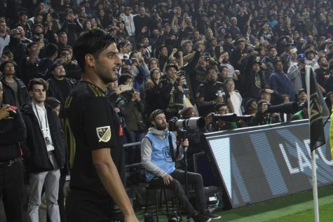 Los Angeles Football Club captain Carlos Vela lines up for a corner kick during the first half against Real Salt Lake Saturday, March 23 at Banc of California Stadium. Photo credit: Ignacio Cervantes / El Paisano News