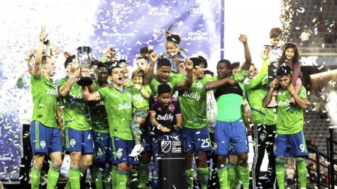 Seattle Sounders lifted the Western Conference championship trophy on the Banc of California Stadium pitch following its 3-1 win over LA Football Club Tuesday, Oct. 29. Photo credit: Jesus Manriquez / EPM.