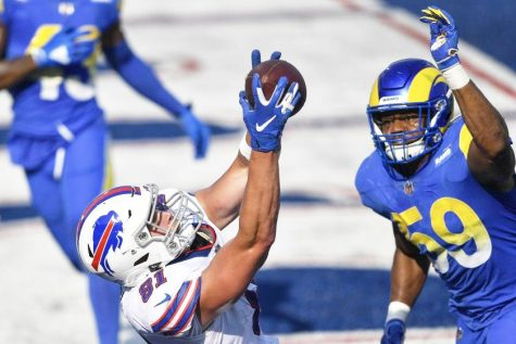 Bills tight end Tyler Kroft (81) beats Rams linebacker Micah Kiser to catch the game winning touchdown. They defeated Los Angeles 35-32.