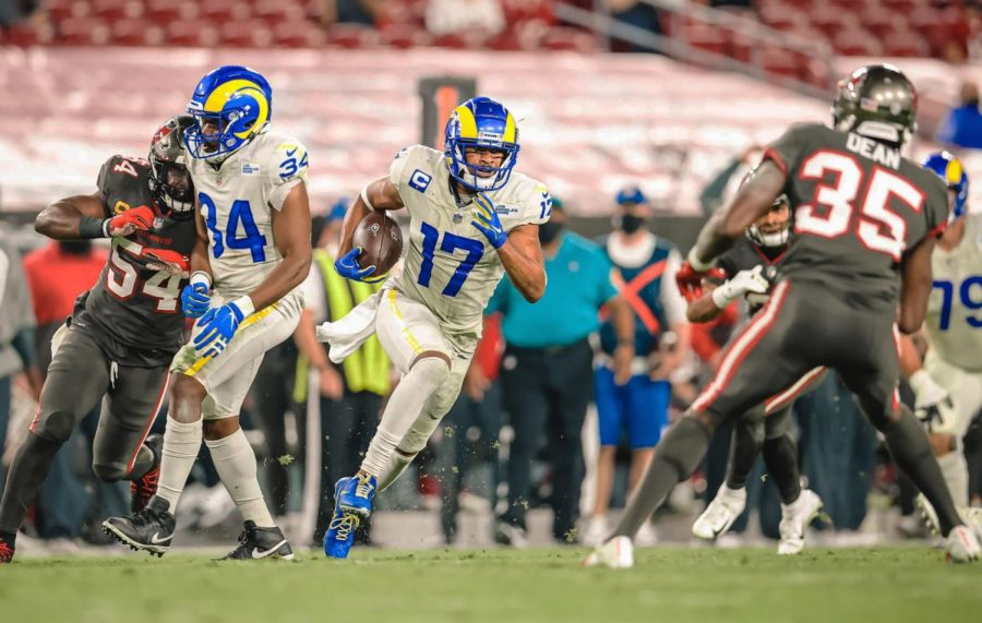 With 19 seconds left in the first half, Rams wide receiver Robert Woods (17) hauled in a short pass and took it 35 yards down the field, setting up a field goal to put the Rams up 17-14. Woods