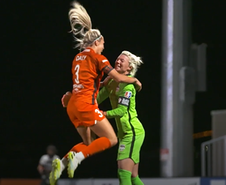 29 year old Rachel Daly (L) and 26 year old Jane Campbell (R) both play for Houston Dash. While forward Daly is part of the England Women's National Team, Campbell is one of the keepers for the U.S. Women's National Team.