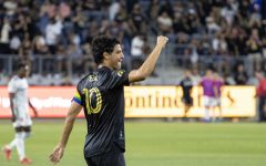 Navigation to Story: LAFC Dominates on their Home Field